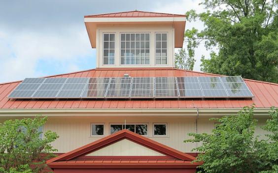 solaranlage villa rot 564