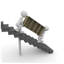 Umzug Treppe hochtragen