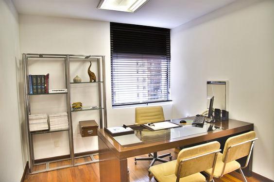 arztzimmer stuehle gelb modern 564