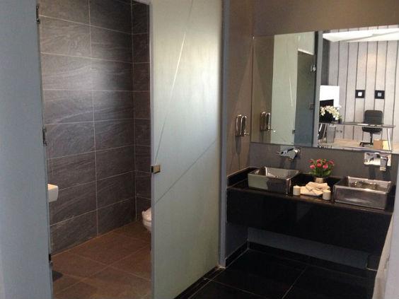 badezimmer braun klein 564