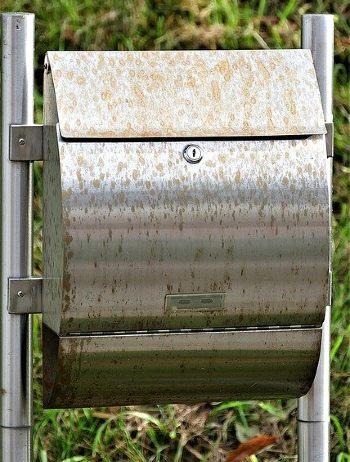 briefkasten freistehend edelstahl schmutz