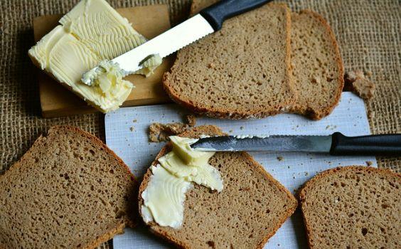 brot schmieren messer butter l