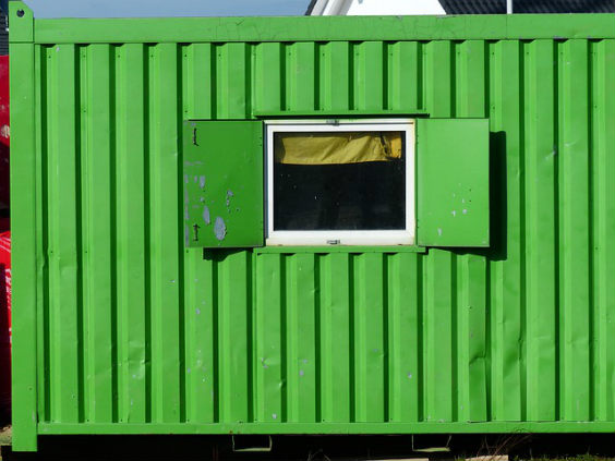 seecontainer fenster uz 564