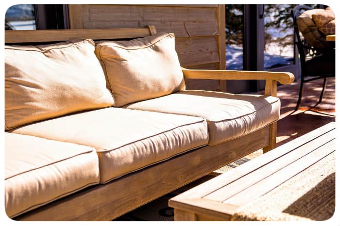 sofa draussen