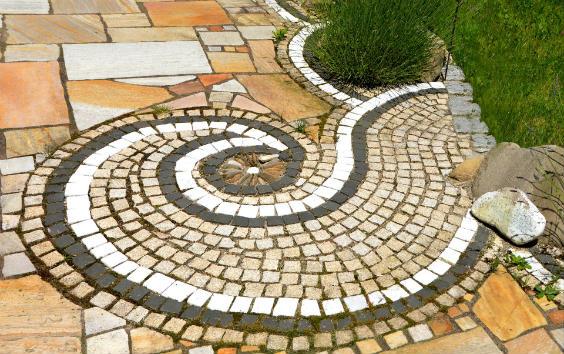 Terrassenplatten Aus Naturstein Tipps Zum Verlegen Und Zur Pflege