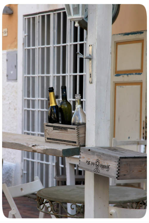 Weinflaschen im Gaten