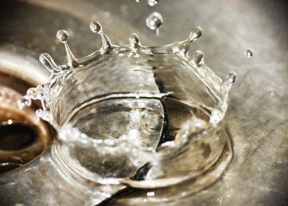 wasser waschbecken krone 564
