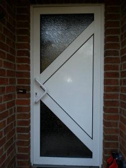 Eine einbruchssichere Haustür fördert den ruhigen Schlaf