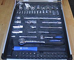 Der Inhalt vom Werkzeugkoffer sollte gut bestückt sein